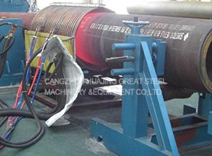 Induction heating elbow forming machine